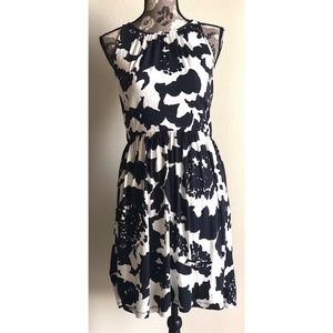 LOFT navy and white floral sleeveless midi🌷